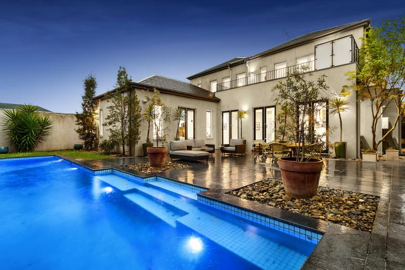 8-frognall-place-canterbury-vic-3126-real-estate-photo-7-large-10535997