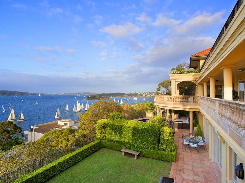 Mandalay is positioned to capture breathtaking, views of Sydney's magnificent harbour, bridge and Opera House.